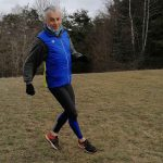 Test du collant de running Long Tight Basic et du gilet Neon Blue Lime Soda de la marque Arena.