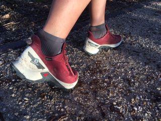 Découvrez le test outdoor des chaussures de trail Salomon Alphacross Blast GTX.