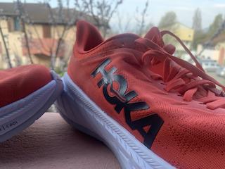 Test des chaussures running Hoka Carbon X2.